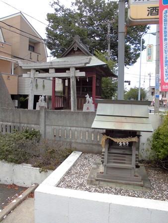 高千穂稲荷神社(狛江_田中橋交差点)-01田中稲荷塚古墳b