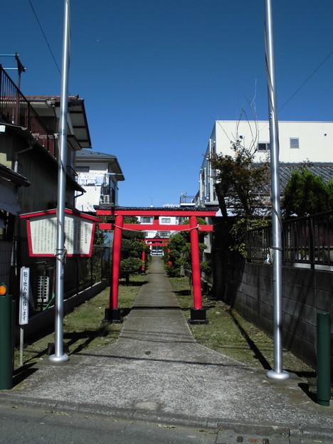 柳久保稲荷神社(中和泉5)-01