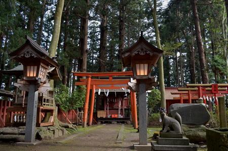 櫛引八幡宮・悶破稲荷神社