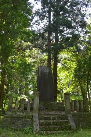 伊佐須美神社・忠魂碑