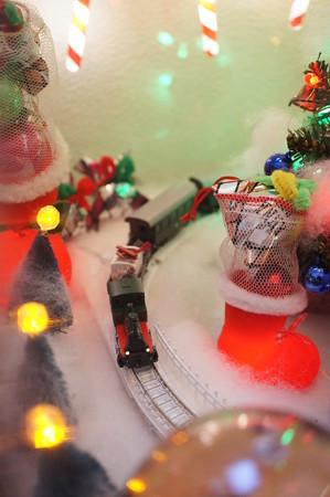 長靴の横を通過@2012クリスマス