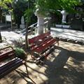 写真: 神社椅子