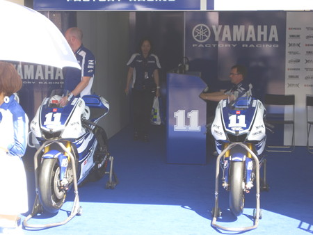 118_yamaha_factory_racing_yzr_m1