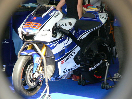 121_yamaha_factory_racing_yzr_m1
