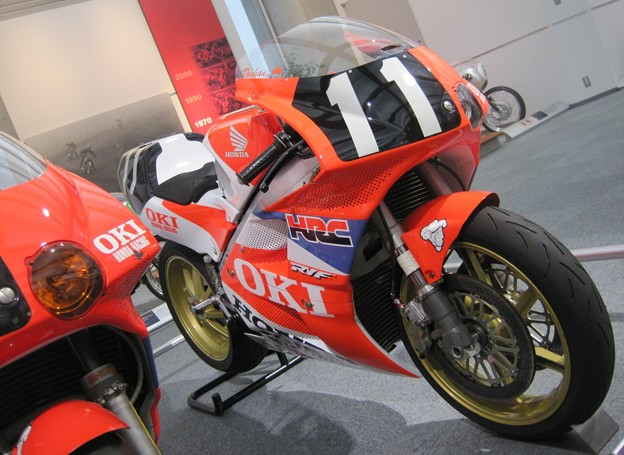 Photos: 116_1991_rvf750_11_2012_motogp_moteg