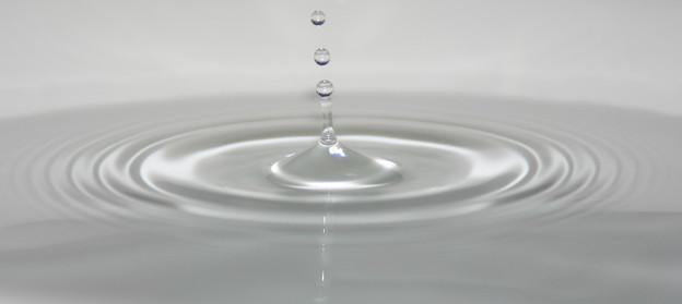 水滴と波紋 (4)