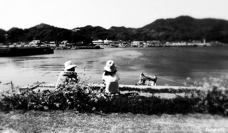 海を見る二人