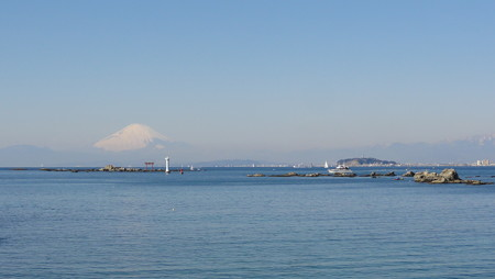 江ノ島と富士山