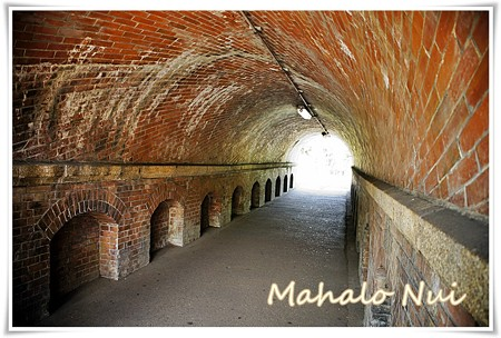 煉瓦作りのトンネルはノスタルジック