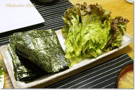 手巻き寿司の海苔とレタス
