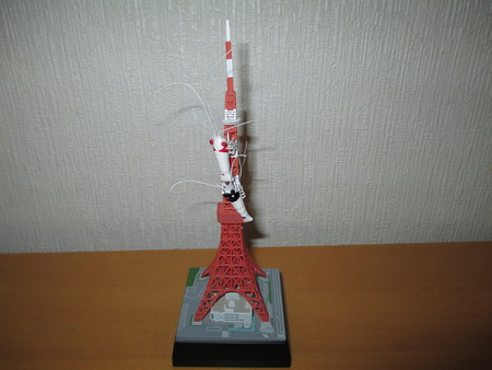 20130109 東京タワーを登るビー達