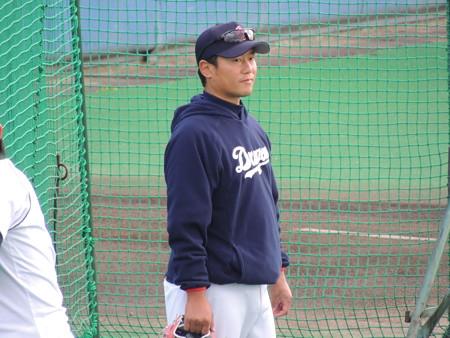 004 小笠原コーチです