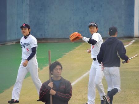 013 戻る、大島と松井祐の脇を抜け