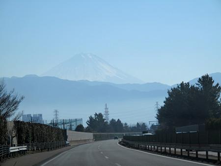 IMG_7336 新東名より臨む富士山
