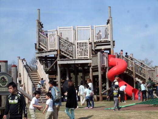 Photos: 2013.04.29    国営越後丘陵公園の遊具など0006