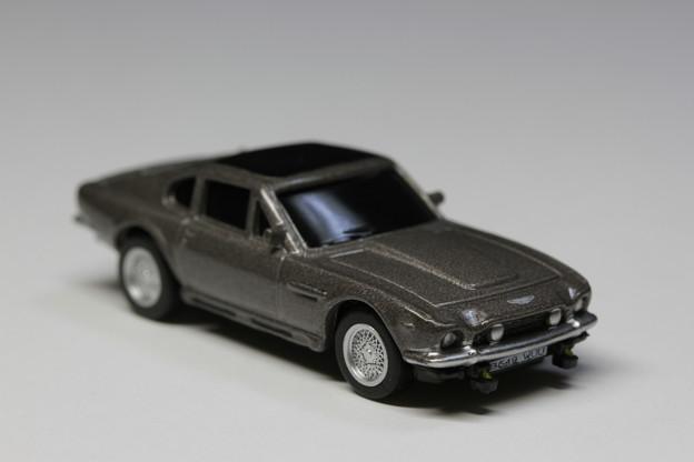 サントリーボス 007 JAMES BOND COLLECTION 1缶「Aston Martin V8 Vantage」 THE LIVING DAY LIGHTS