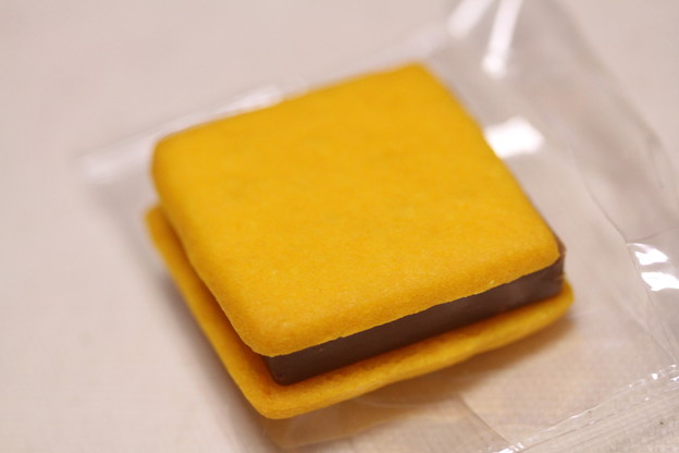GODIVA SABLES CHOCOLAT(ゴディバ サブレ ショコラ)パッションフルーツ&ミルクチョコレート