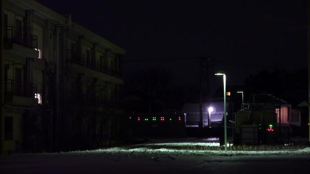 写真: 残雪残る夜