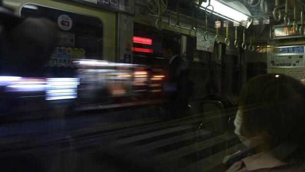 写真: 流れる夜景