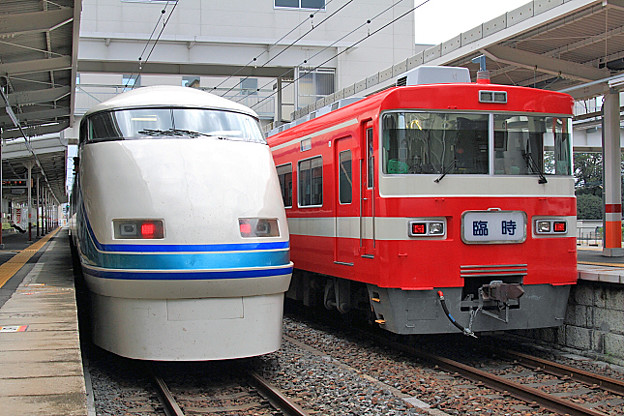 1118列車 と 5954列車