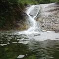 写真: カムイワッカ湯の滝