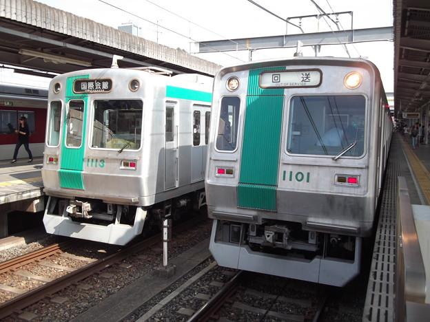 京都市営 10系 新旧並ぶ