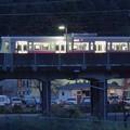 夜明け前の駅