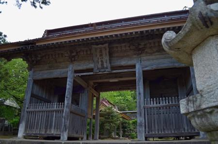 鳥海山大物忌神社・蕨岡口之宮 神門