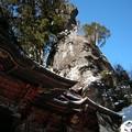 写真: 榛名神社・本殿と御姿岩