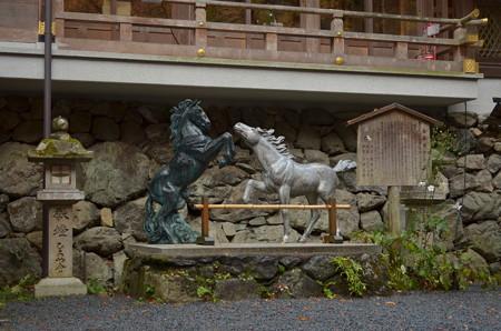貴布禰神社総本宮・神馬銅像
