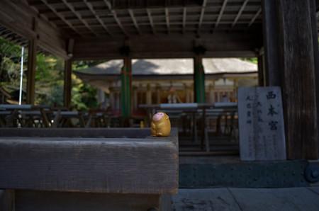日吉大社 西本宮・西本宮拝殿の神猿