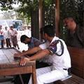 Photos: おじさんと警察