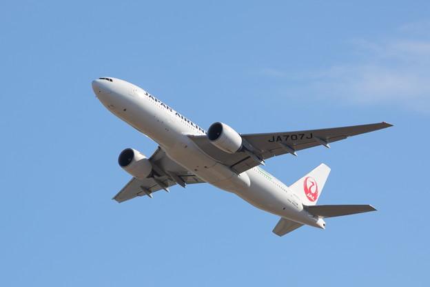 Japan Airlines Boeing 777-246/ER