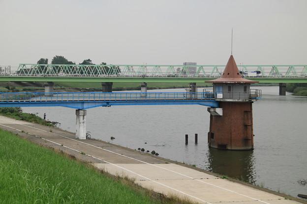 Photos: 金町浄水場の取水塔