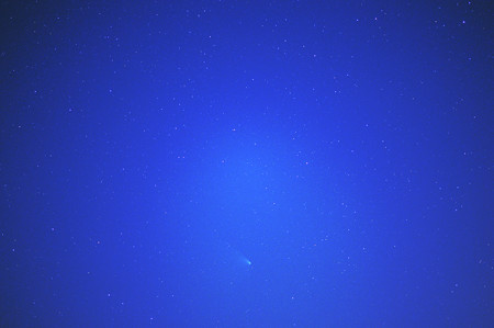 日の出前のパンスターズ彗星