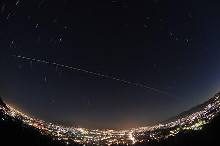 ISSの軌跡と世界遺産の富士山