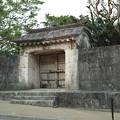 首里城の中で見かけた門1