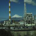 写真: metallicな「狛犬」に守られた富士山(爆)