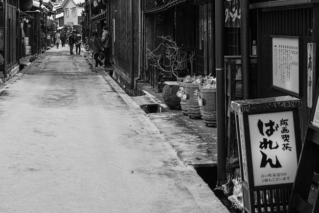 写真: 飛騨高山の、古い風情の街並み2