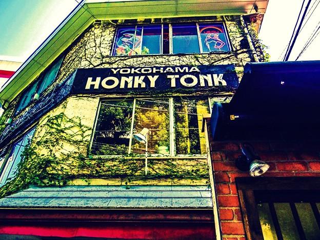 Photos: HONKY TONK