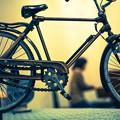 テーブルに載った自転車(爆)