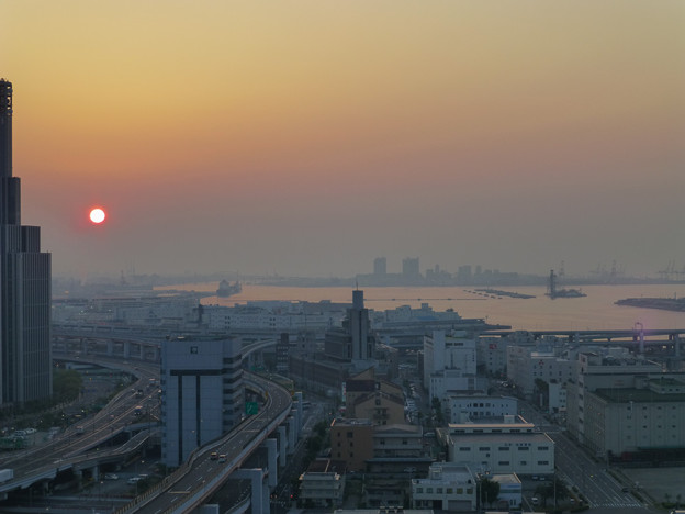 Photos: 神戸の朝焼け