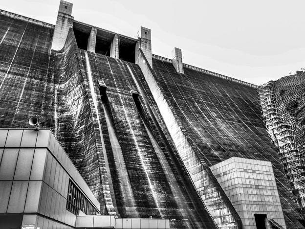 宮ヶ瀬ダムの壁