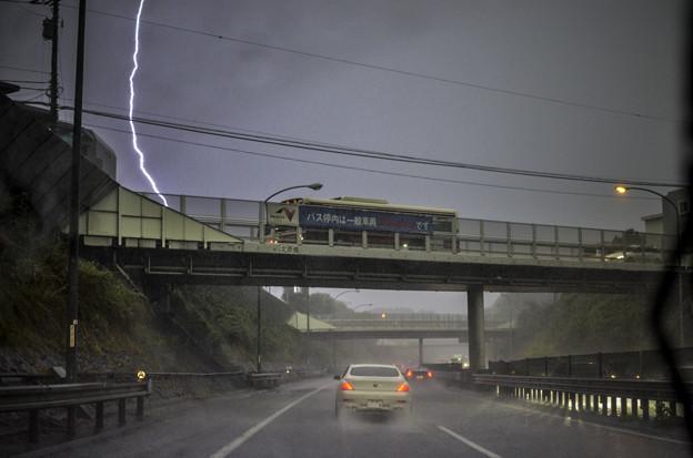 Photos: 落雷の瞬間