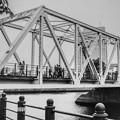 アメリカ製の古い橋