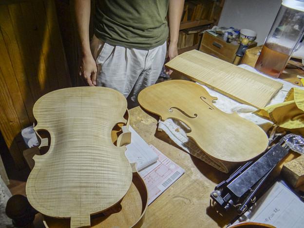 Photos: 弦楽器の工房に寄りました