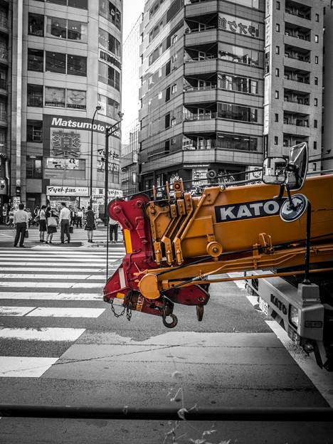 Photos: お辞儀をして待つ加藤さん