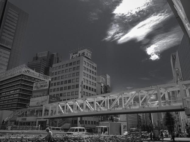 Photos: 新宿駅南口の歩道橋