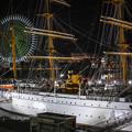 夜の「帆船日本丸」右側から