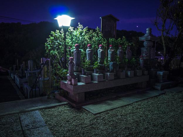 夜の六地蔵